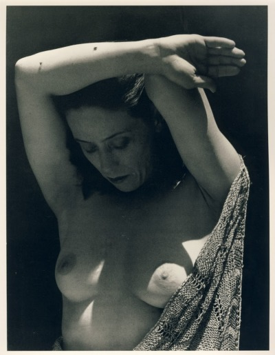 deeeplysuperficial:  Martha Graham 44, 1931Photo by Imogen Cunningham