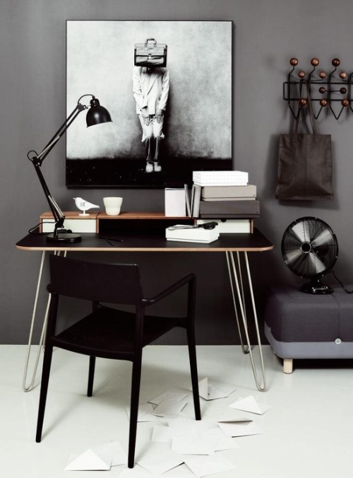 myidealhome:  is brown the new black? (via Vosgesparis)
