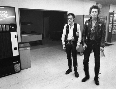 wearemechanimal:  Johnny Rotten, Sid Vicious, US Tour, 1978