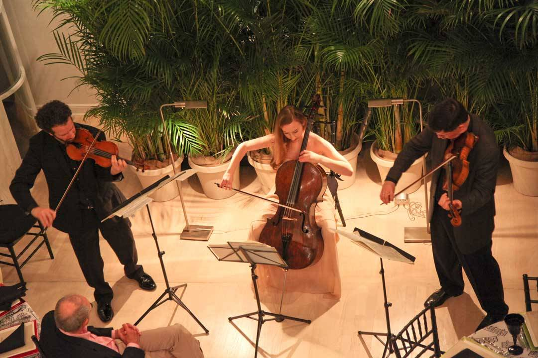 A private performance by the Curtis On Tour ensemble at a home in beautiful Palm Beach, FL. Curtis supporters enjoyed an intimate concert performed by Curtis President and viola faculty member Roberto Díaz ('84), violinist Steven Copes ('94), and cellist Tessa Seymour.