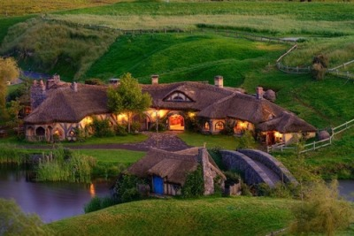 Real-Life Hobbit Pub Opens in New Zealand