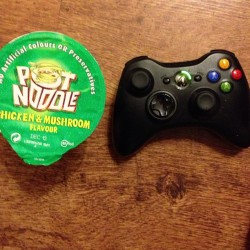morphetpaul:  Tonight #xbox #potnoodle #food #games