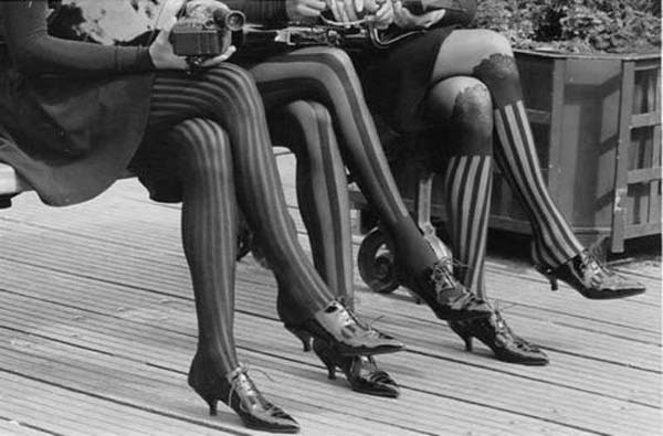 retrowunderland:  Flapper Fashion…Patterned Stockings c.1920s