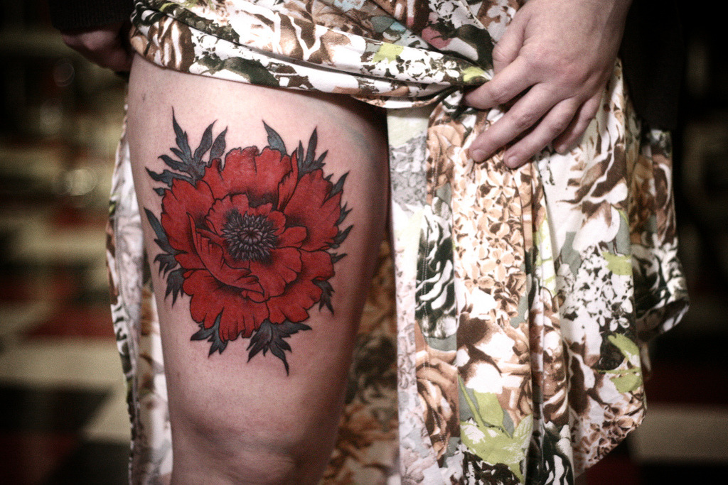 fuckyeahtattoos:  poppy tattoo by alice carrier, at anatomy tattoo in portland, oregon.
