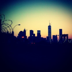 """When the Sun Goes Down.."" #abrooklynsoul #brooklynpoets #made_in_ny #igersofbk #Brooklyn #DUMBO #BrooklynHeights #Sunset #Silhouette #Dark #Light #Contrast #BrooklynBridge #FreedomTower #ManhattanSkyline #NYC #NewYork #NewYorkCity #explore_brooklyn #explore_community #explore_nyc #UrbanLandscape #UrbanDwellings  (at MTA Subway - High St/Brooklyn Bridge (A/C))"