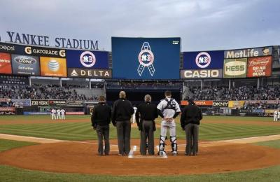 missnothinglovenewyork:  one minute of silence for Boston