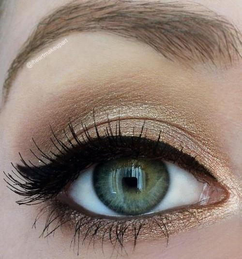 akuna:  Eyes on We Heart It - http://weheartit.com/entry/60708052/via/akunamatatta Hearted from: http://lockerz.com/u/tiffanysinger22/decalz/25438190/shimmery_gold_idea_gallery_makeup?ref=sweetheart.j6987