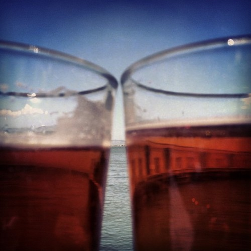 Best day ever. Sissy, brews, Pier 23 in the sunshine and Return of the Mac @suzanneadele  (at Pier 23 Cafe)