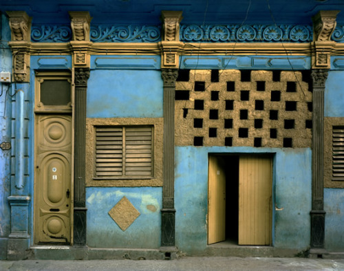Blue Facade © Michael Eastman, courtesy of Michael Hoppen Contemporary