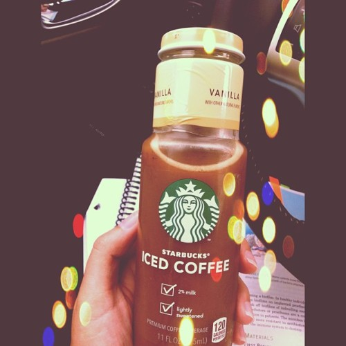 First time trying this 🙎 #notbad #vanillaicedcoffee #morningclass #tokeepmeawake #musthave