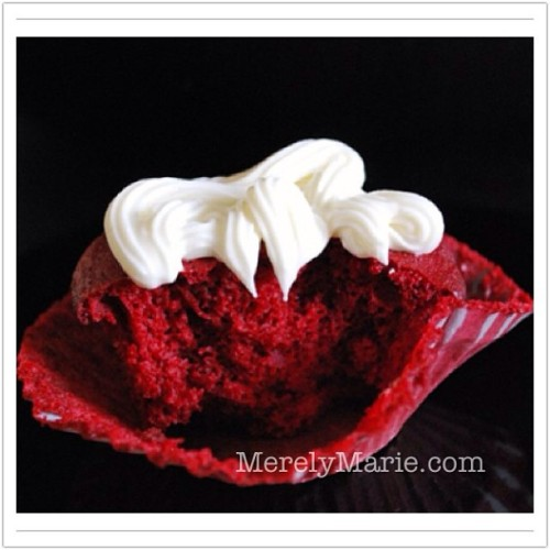 #recipe on the #blog! Link in profile. #redvelvet #cupcakes #red #valentine #valentinesday #foodporn #foodblogger #merelymarie
