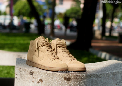 "Nike x A.P.C.""Beige"" Dunk High Hoping they hit DSM again. Via SN."