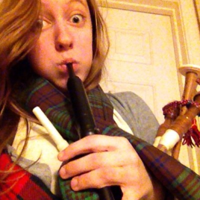 grindelvvald:  SCOTTISH BOYS COME AND GET IT IVE GOT MY HUNTING TARTAN ON AND LEMME TELL YOU LADS IM HUNTIN FOR THE D