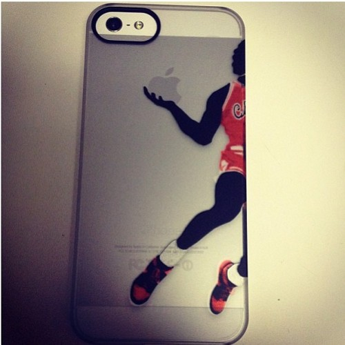 The only reason I would want a white iPhone. G.O.A.T. - Pic by @sneakerboxclyde. Case by @sneakerst. #igsneakercommunity #eatgoodstayfresh #thewolfreport #sneads #sole #jordan #GOAT