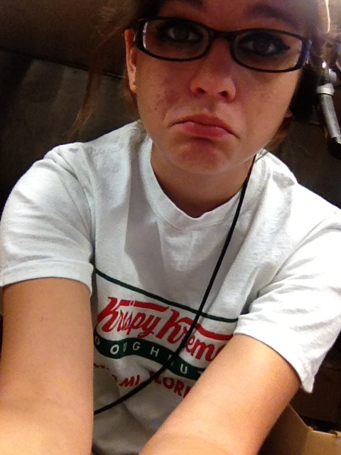 Hiding at work, followers  talk to meeeeee