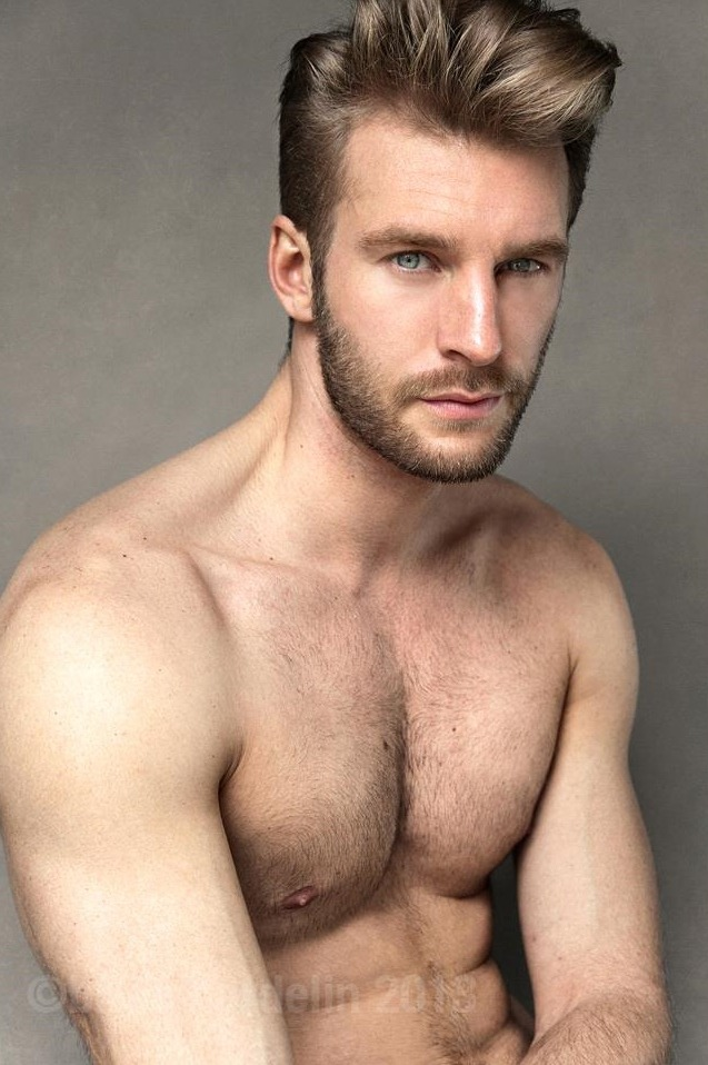 hot4hairy:  Arnaud François H O T 4 H A I R Y  Tumblr |  Tumblr Ask |  Twitter Email | Archive | Follow HAIR HAIR EVERYWHERE!