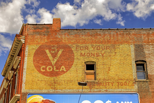 3 V COLA on Flickr.3 V COLA ~ Saint Joseph, Missouri USA ~ Copyright ©2013 Bob Travaglione. ALL RIGHTS RESERVED ~ www.JoeTown.Us ~ www.FoToEdge.com