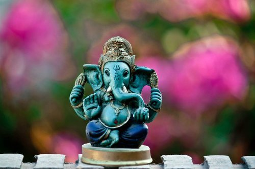 siddharta-dharma:  Ganesha by ~mundomy on deviantART en We Heart It. http://weheartit.com/entry/57106220/via/skypirate
