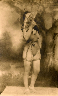 maudelynn:  The Fan  1910s Gelatin Risque Print