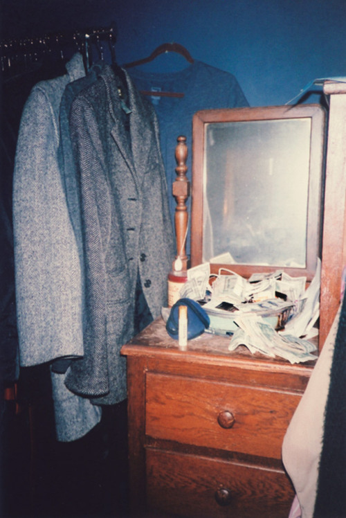 anotherocean:  Money House on the dresser