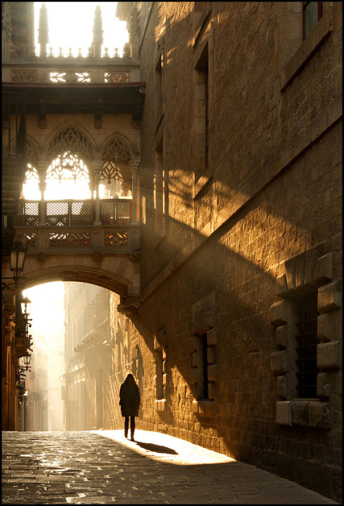 reginasworld:  In the Barrio Gothica, Barcelona