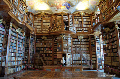 "robotmonkeys-net:  ""The library of the monastery of St. Florian in Upper Austria. It is a baroque jewel, and includes about 140,000 volumes. In the library are many valuable medieval manuscripts and early printed books."" de.wikipedia.org/wiki/Stift_Sankt_Florian Bibliothek in St. Florian by dorena-wm http://flic.kr/p/8mpTfv"