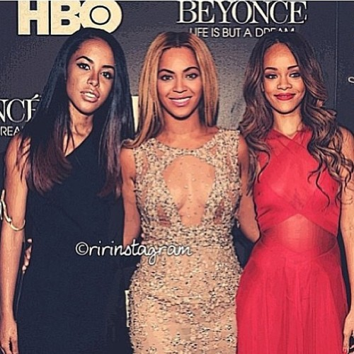shawn152:  If only THIS was REAL! I miss #Aaliyah R.I.P 😇 @baddiebey @Badgalriri #Repost  Wow wish diz waz true ik if she waz still here Aaliyah would b #1 😝💚🙏😔