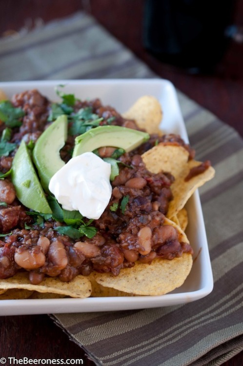 Look at this beautiful winter creation! It's vegan chipotle stout chili with IPA cashew cream, by glorious omnivore the Beeroness. Beer and soyrizo and beans and grains and avocado and chips, oh perfect winter food! My favorite part of cooking with beer is when the recipe calls for less than your bottle/can contains, which obligates you to drink the rest of it (or risk wasting it, which is what jerks do).