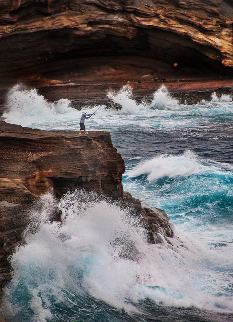Fishing on Oahu | by © Stuck in Customs | via infinite-paradox