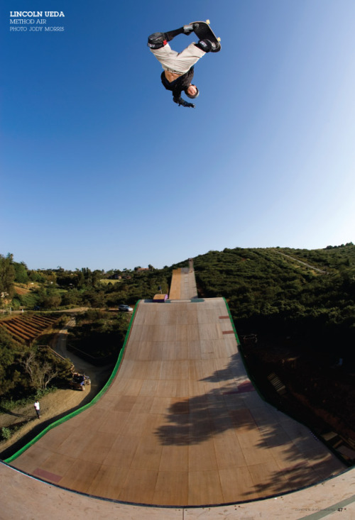 concreteskateboarding:  Lincoln Ueda, method air from issue #95, photo Jody Morris