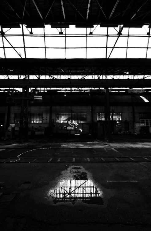 Inside the Torpedo factory in Rijeka, Croatia (~2008)  © Sanja Jovanović
