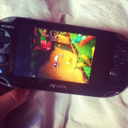 playing in bed 🎮😍 (at The Panettiere's Household)