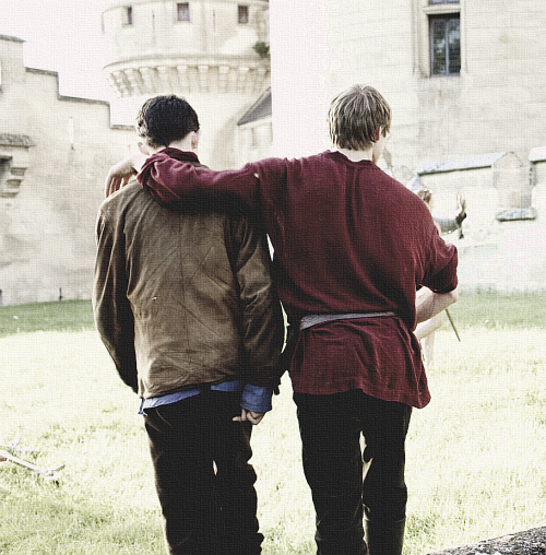 100/100 photos of Merthur/Brolin