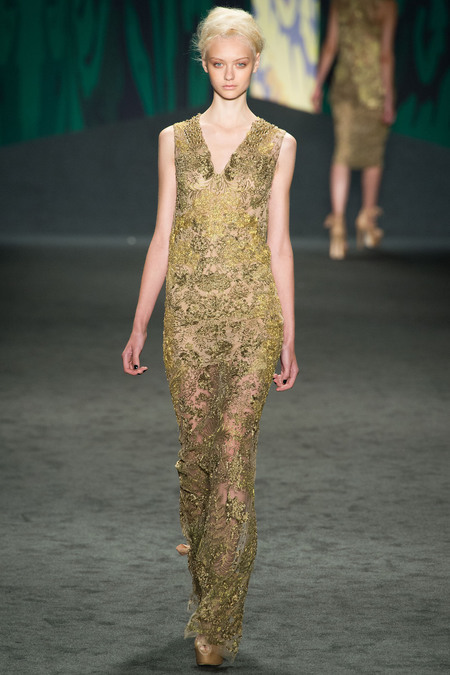 Part of the Vera Wang Spring 2013 collection. This dress is beautiful! I love everything about it from the V neck to fabric and its detail. I love how the legs are able to be shown while still being classy.