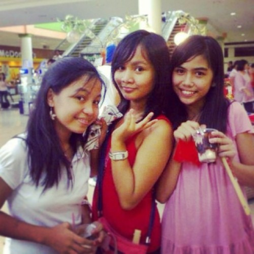 firstyeaaar ❤ #tbt #throwbackthursday #friends #philippines #freshmen #highschool