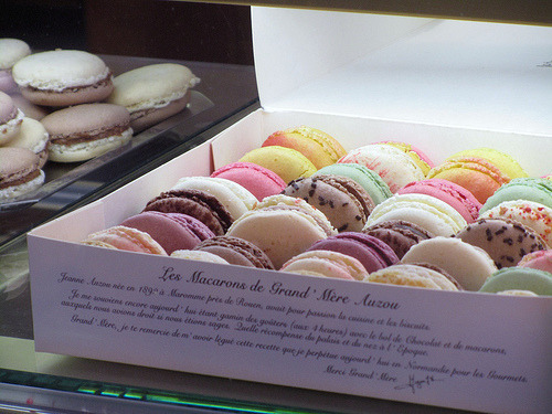 annoyinglyanonymous:  i could use some macarooooooons right now!  Look for me and ill buy you some :D