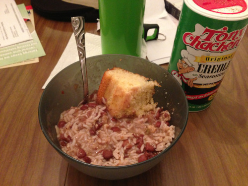 tehgreat:  Southern comfort food. Red beans and rice with corn bread  What Mondays are made of. Repost or click like if you're having red beans and rice tonight!