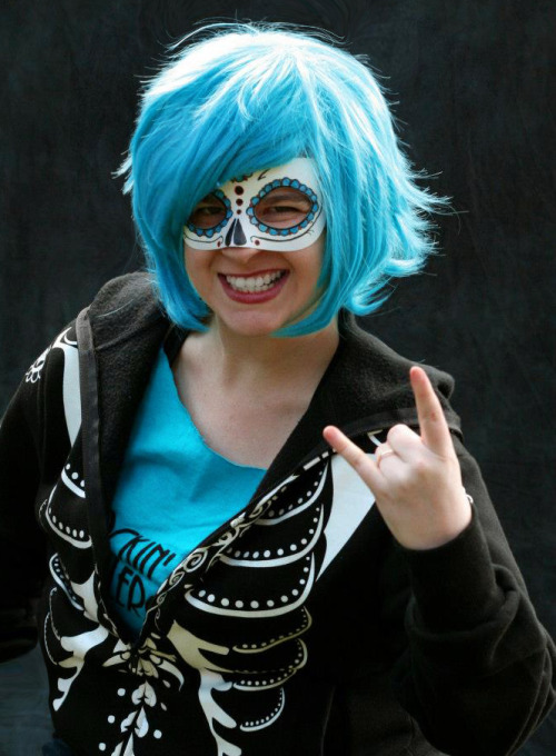 mindaroth:  rockin-city-rollergirls:  RCRG Skater of the Week: Mean Streak Mean Streak is a blocker with some serious anger management issues. When she sees jammers trying to get all up in her personal space, she flies right at them in uncontrollable rage. Meanie spends most of her track time employing her most lethal assets; good luck getting past her when she's got room to swing her butt around. She probably has a good side, but usually when she turns the other cheek, it's bad news for you. Off the track, Mean Streak is just as vicious. She's in the cutthroat business of online marketing, and she knows how to make every word count.  Likes: Herself, flattering booty shortsDislikes: Pretty much nothing, except for black licorice. That stuff is foul.  Hey, I know this girl!  omg so do I!!!