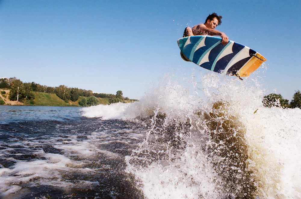 Kokorev shredding waves in Moscow.