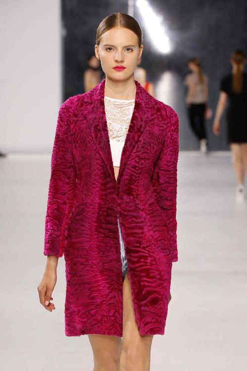We adore this stunning berry-coloured Astrakhan fur coat from the @Dior #PreSummer2014 collection!