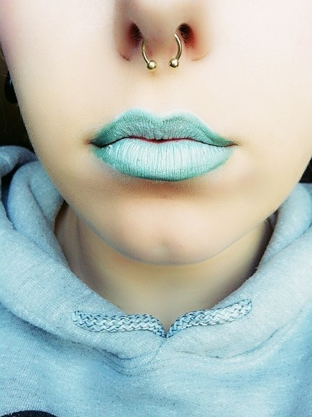 Would you ever try aqua-colored lipstick? We think it looks great on Theresa T.!