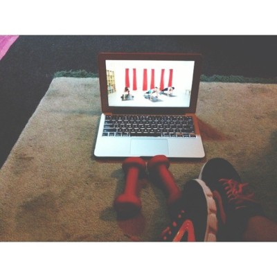 Saturday evening workout through the mac hehe i dont have to hire any trainers. 😝 All we need is just te hard work! Itll pay off! 💪 #latepost