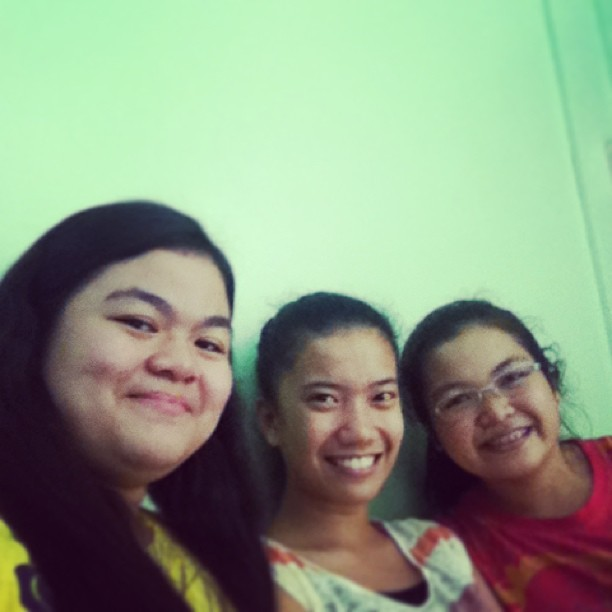 Finally we settle to this pic. Off to SM daw @Mariefernan_ and @Ricamelareyes