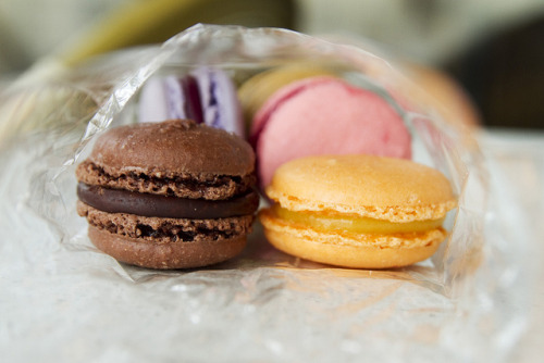 deeserts:  macarons by roboppy on Flickr.