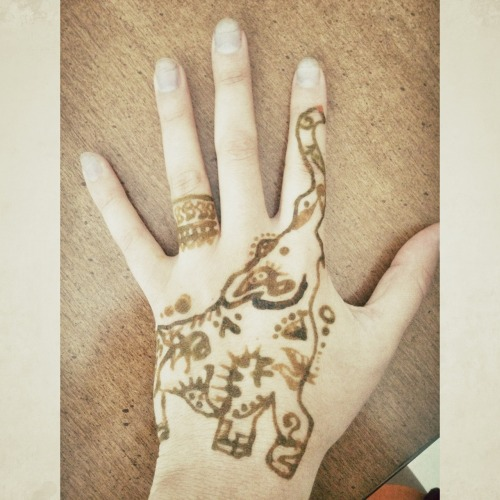 Elephant Hand Tattoo Elephant Henna Tattoo | Tumblr