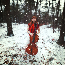 sarahannloreth:  My sister wanted a photo with her cello :)