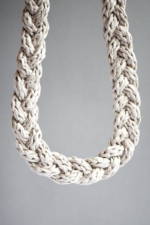 podkins:  Crochet a Cord - photo tutorial with English directions by Lebenlustiger