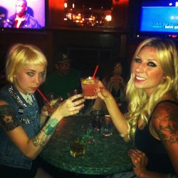 My girls!!! Yeah! @xhoney_bunnyx @kristinstyle #babes (at Goosetown Lounge)