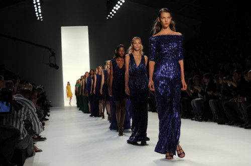 kloss-karlie:  Spring 2012 Ready-to-Wear Elie Saab - Runway