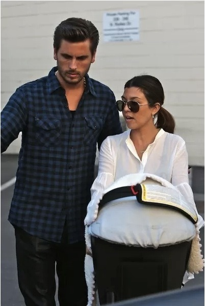 Scott Disick is never one to mince words. First, he tells wife Kourtney that her weight goal should be 93 lbs. Then, when his Twitter followers slam him online, Scott goes on to Tweet that anyone complaining is clearly fat themselves! Click the pic to read!